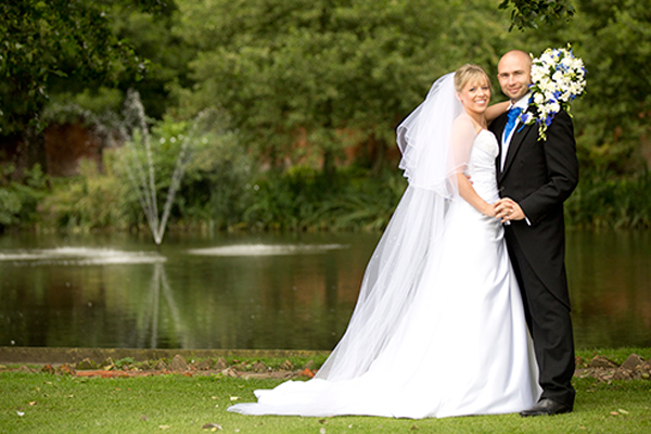Leez Priory Wedding photographers